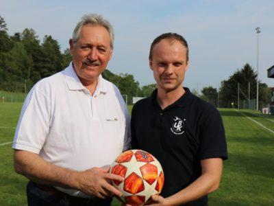 LT-Präsident Viktor Sigl als Matchsponsor und Glücksbringer