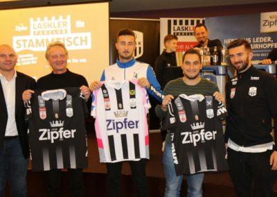 Lask Stammtisch Resch Potzmann Mit Lask Trikot Gewinnern (Foto UBK)